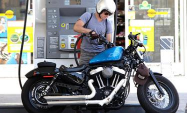 залил плохой бензин в мотоцикл